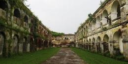 Keterangan: Kemegahan bangunan juga nampak pada lorong-lorng yang ada dalam bangunan benteng/correcto.id