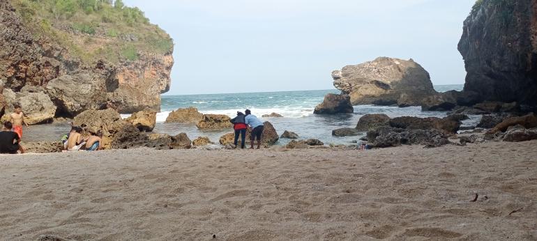 Foto: Pantai Wohkudu, Yogyakarta (kikiikustina)