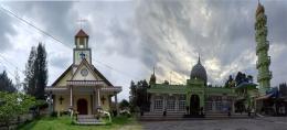 salah satu gereja dan masjid besar di Berastagi (dokpri)