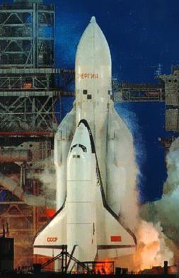 Pesawat ulang-alik Buran saat peluncurannya, 15 Nov 1988. Sumber gambar: RSC Energia/wikimedia.org