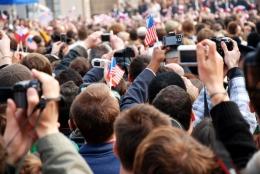 Praktik dari citizen journalism semakin fleksibel, setelah merebaknya media sosial dan gawai yang semakin canggih  crowdynews.com