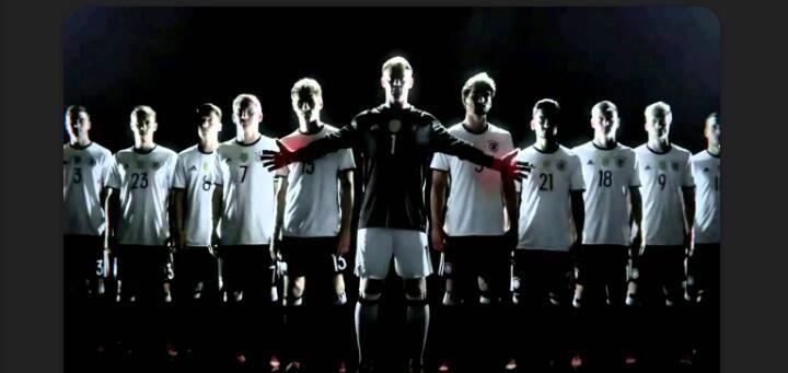 Die Mannschaft / Sumber : Fanpop.com (Der_Sieger)