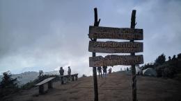 Puncak Gunung Prau (dokpri)