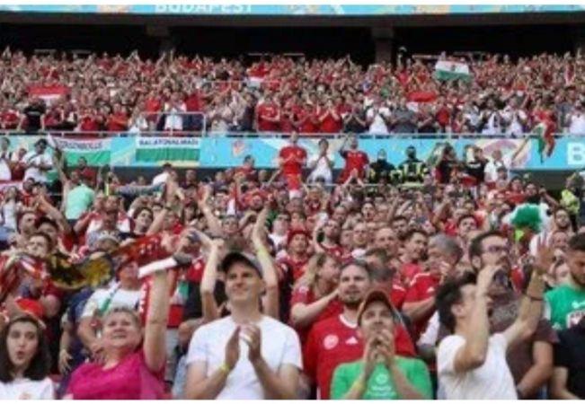 Stadion Puskas Arena luber penonton tanpa masker(dok:Reuters/Bernadett Szabo)