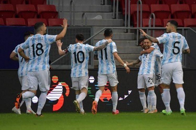 Selebrasi gol pemain Timnas Argentina saat menghadapi Paraguay (Kompas.com)