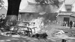 Penyerangan massa ke Universitas Res Publica (bbc.com)