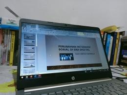 Menyiapkan bahan presentasi (dok.pribadi)