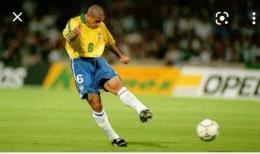 Roberto Carlos, Brasil. Sumber: Tribune Manado - Tribunnews.com