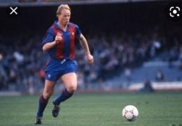 Ronald Koeman-Belanda berseragam Barcelona. Sumber: barcelonafc.com