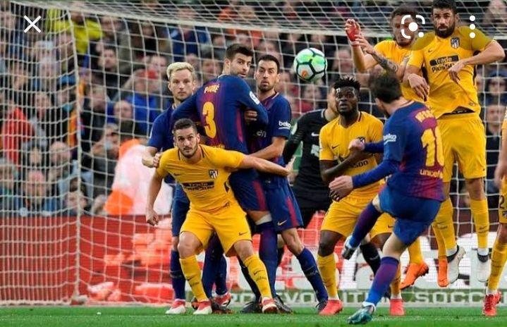 Tendangan maut Messi. Sumber: Kompas.com