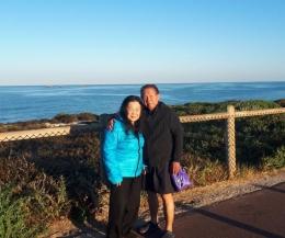 berjalan kaki disepanjang pantai Burns Beach dokpribadi)