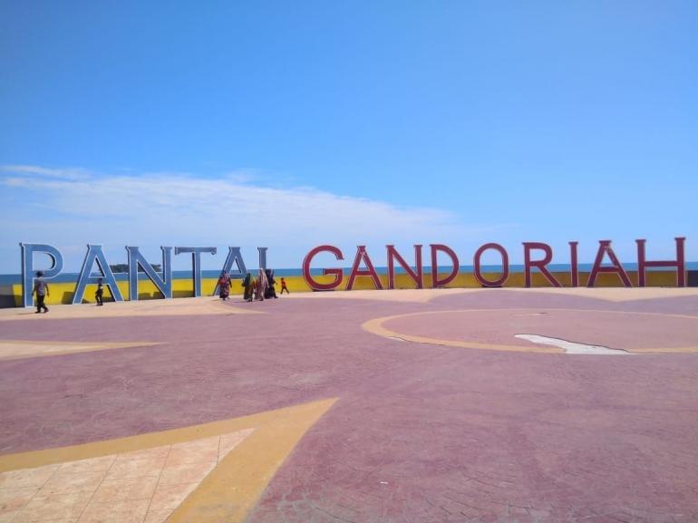 landmark Pantai Gandoriah/ dokpri