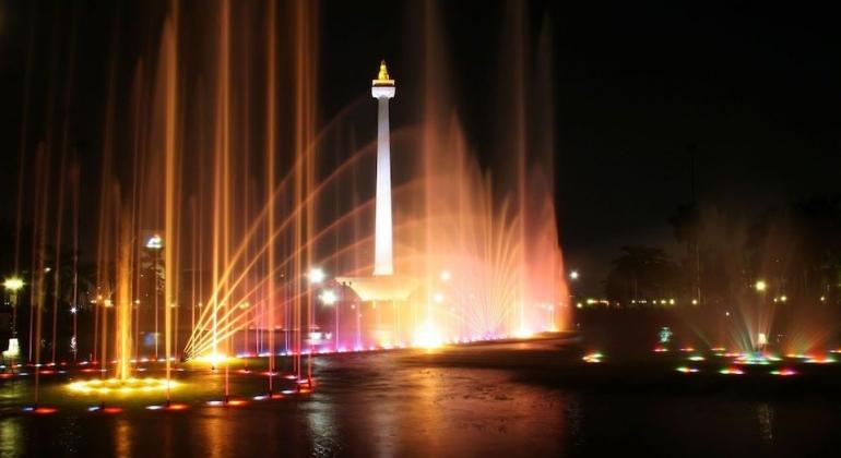 Ilustrasi Jakarta di waktu malam. Sumber: uptown.id
