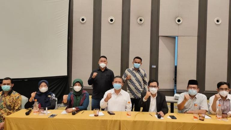 Direktur DIKTIS Kemenag RI bersama para Rektor dan Ketuaa PTKIN (Ketiga dari kiri Ketua STAIN Majene)