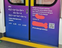 Iklan belajar daring matematika dengan soal yang 'ngawur & tidak mencerdaskan' yang dipasang satu BUMN telekomunikasi di pintu MRT Jakarta (dokpri)