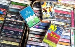 Berburu kaset lawas KAHITNA di Malang  dok. pribadi.