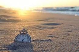 Memeluk Waktu (hipwee.com)