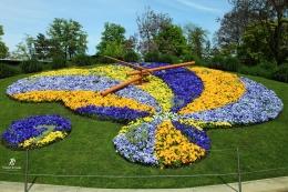 Jam Bunga di Taman Inggris- Jenewa. Sumber: koleksi pribadi