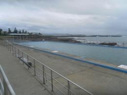 Kolam renang air Laut 40x14 meter (dok pribadi)