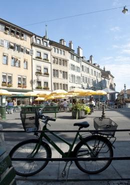 Place du Bourg-de-Four, Jenewa. Sumber: Olivier Miche / Geneve Tourisme