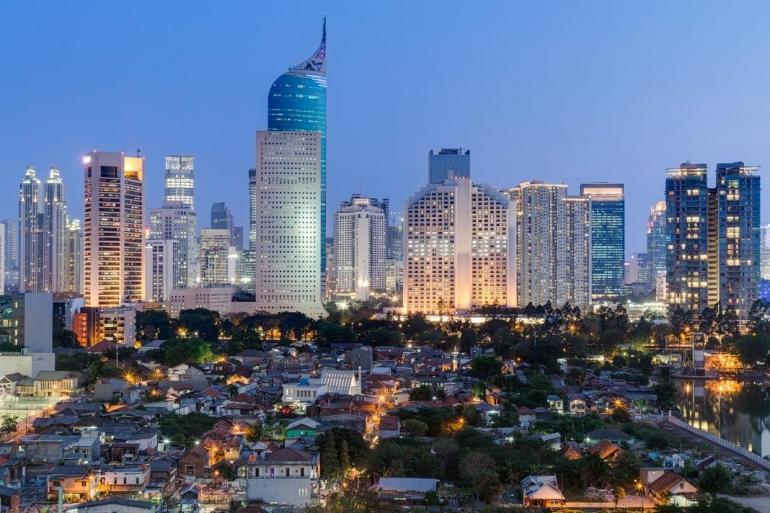 Jakarta (sumber: thenomadvisor.com)