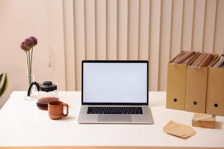 Ilustrasi laptop/pexels/Cup of Couple