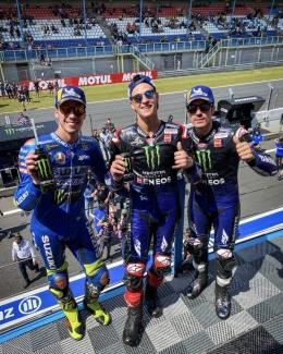 yang happy di podium (dok.motogp.com)