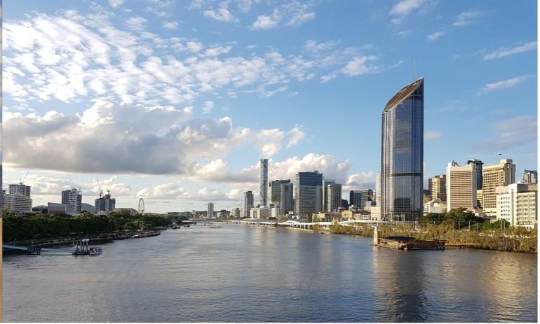 Pemandangan Kota Brisbane dari Atas Jembatan Captain Cook Bridge | Koleksi Iffat Mochtar