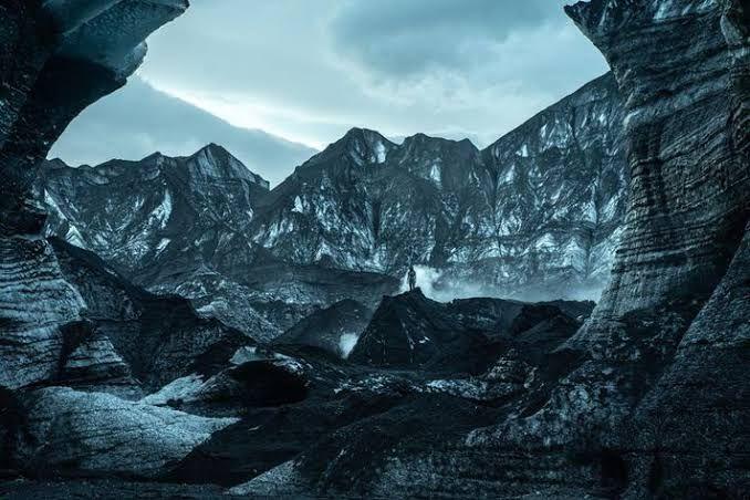 Ada apa dengan gletser dan gua es di desa Vic? (Sumber: Forbes.com/Netflix)