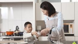 Ilustrasi. Pentingnya mengajarkan pekerjaan rumah tangga pada anak laki-laki   Foto diambil dari Thinkstock via Kumparan