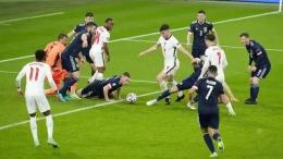 Mourinho kritik taktik pragmatis Inggris kontra Skotlandia di Euro 2020. Sumber: AP/Matt Dunham/Pool/via Bola.com