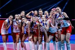 Kalahkan Jepang, tim putri Turki berhak atas medali perunggu| Sumber: en.volleyballworld.com