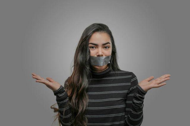 Jangan bersikap bodo amat pada Sex Edu. (sumber: kumparan.com)