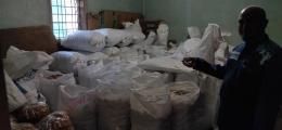 Gudang kerupuk-kerupuk yang siap di distribusikan (dokpri)