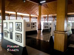 Koleksi foto sejarah dan gerak perjuangan Dr. Sutomo yang dipamerkan di pendopo GNI (Dokumentasi Mawan Sidarta)