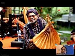 Ivan N memainkan sasando saat jam session (Screen Shoot zoom meeting dokumen pribadi)
