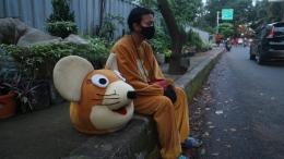 Galih sedang beristirahat untuk menghilangkan lelah. / Dokumen Foto: Citra