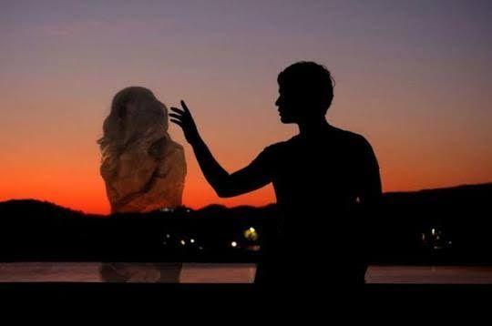 Ilustrasi Kekasih Dalam Bayangan. Sumber: Kaskus.co.id