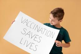 Ilustrasi vaksinasi COVID-19 untuk anak (sumber foto: freepik)