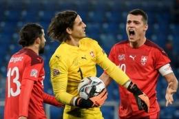 Yann Sommer, Pahlawan Swiss Ketika Drama Adu Penalti pada Babak 16 Besar - Sumber : bola.kompas.com