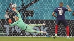 Sommer Gagalkan Penalti Mbappe (sumber: AP/Pool/Vadim Ghirba via Bola)