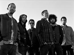 Linkin Park di tahun 2007 pada sesi foto untuk album