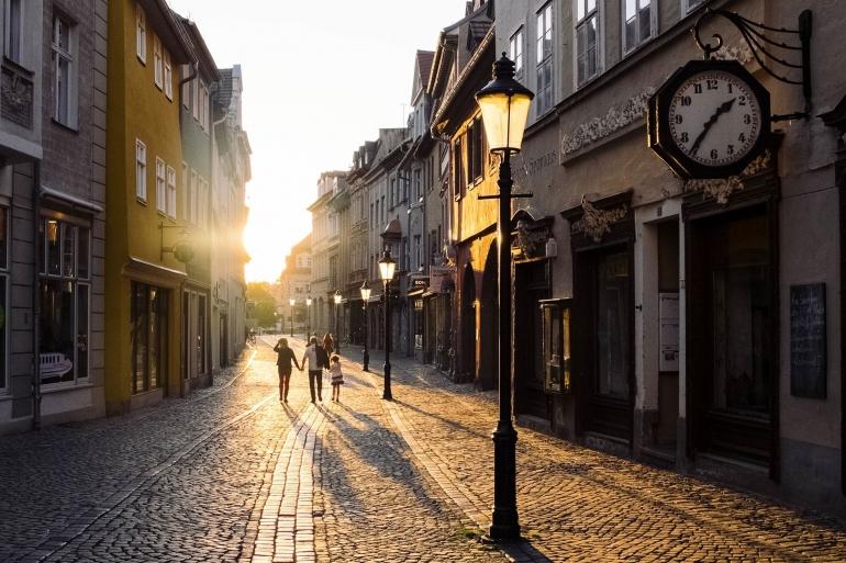 Suasana jalan di sebuah kota tua (Pixabay.com)