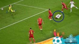 Aksi 'diving' Ciro Immobile di laga Belgia vs Italia (foto Reuter), Sumber: indosport.com