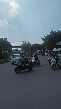Perbatasan Kota Bandung fan Kabupaten Bandung jalur Pasar Cibolerang arah Taman Kopo Indah Desa Rahayu.