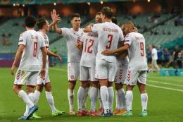Para pemain Denmark merayakan gol ke gawang Republik Ceko di babak perempatfinal (Foto: AFP/OZAN KOSE)