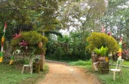 Ilustrasi pintu masuk Pantai Batu Dinding, Bangka. (Dokumentasi pribadi)