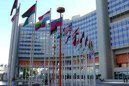 Foto kantor PBB oleh 995645 dari pixabay.com