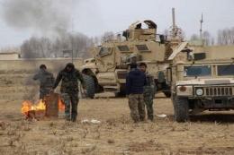 Tentara Afghanistan sedang mengikuti sebuah operasi militer untuk merebut kembali wilayah dari Taliban di distrik Chahar Dara, provinsi Kunduz, Afghanistan. Banyak orang khawatir apa yang akan terjadi di Afghanistan setelah Amerika Serikat mundur di bulan September nanti. | Sumber: IANS/www.thestatesman.com