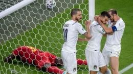 Cedera Leonardo Spinazzola (tengah) bakal memotivasi Italia saat tampil menghadapi Spanyol di semifinal Euro 2020, Rabu (7/7) dini hari nanti/Foto: https://www.ruetir.com/